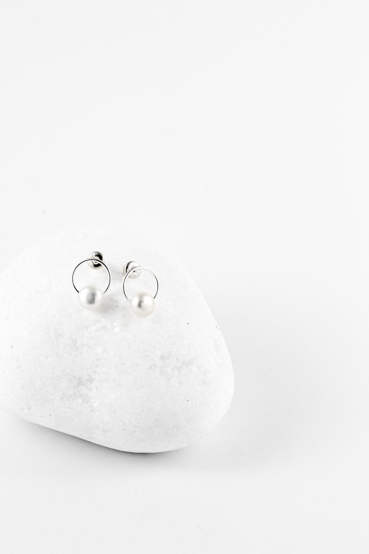 Earrings Circled Pearl, Silver